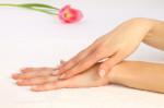 Jak skutecznie golić dłonie?